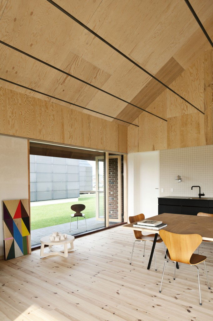 Brick House av Leth & Gori