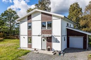 Tvåplanshus i Vendelsö